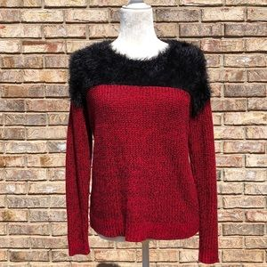 Two by Vince Camuto red sweater/black fur trim, XS